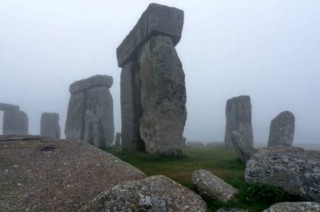 Monumen Prasejarah Stonehenge Dipetakan dari Bawah Tanah