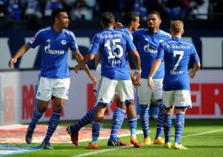 Dortmund Menyerah dari Schalke