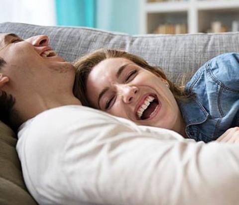 5 Cara Mudah Meningkatkan Hubungan Suami Istri