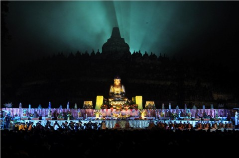 Prangko Bergambar Penemu Candi Borobudur Diluncurkan