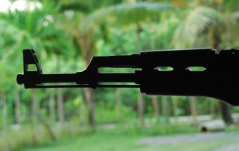 Mantan Anggota GAM Serahkan Senjata ke TNI