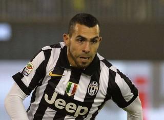 Tevez Bawa Juventus Unggul atas Napoli Sementara