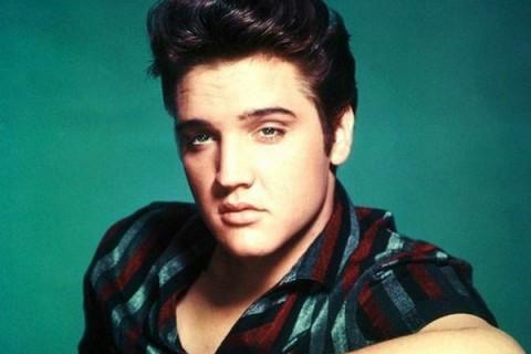 Benda Memorabilia Elvis Presley Dilelang