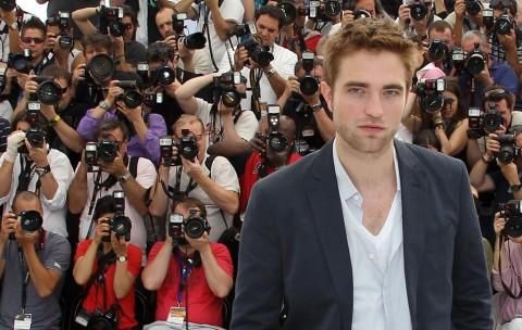 Robert Pattinson Bangkrut?