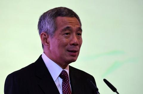 Sukses Dioperasi, PM Singapura Keluar RS