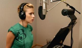 Scarlett Johansson Jadi Anak Band