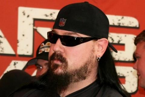 Kepala Ditusuk Pisau, Ini Kondisi Terkini Gitaris Slipknot