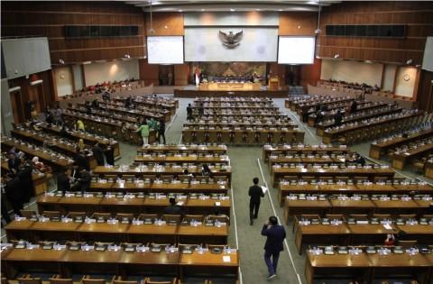 Paripurna DPR Ditunda hingga Selasa Depan