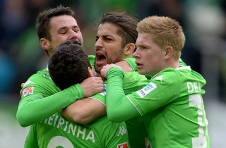 Wolfsburg Sikat Stuttgart, Leverkusen Benamkan Hamburg
