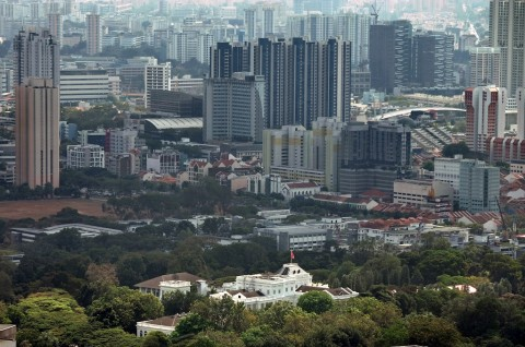 Dua Kritikus Pemerintah Singapura Ditangkap