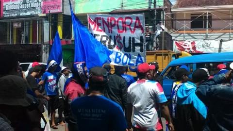 Lagi, Aremania Gelar Aksi Desak Menpora Cabut Sanksi