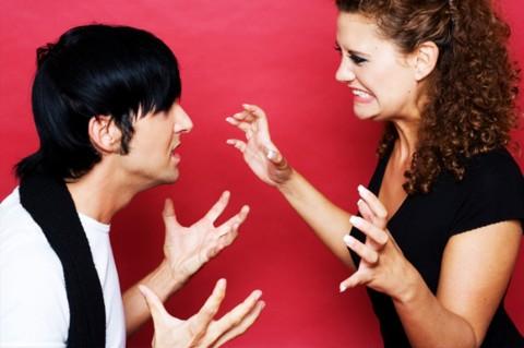 6 Aksi Balas Dendam Perempuan yang Diselingkuhi Pasangannya