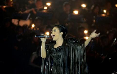Konser Traya Dibuka KD dengan Rembulan