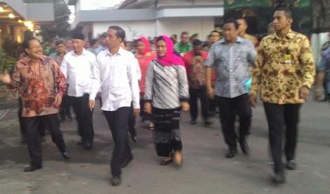 Lagu Stasiun Balapan Sambut Kedatangan Jokowi di Mojokerto