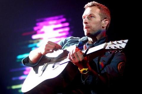 Coldplay Lelang Gitar Untuk Amal