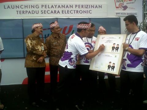 Tinggal Klik, IMB di Kota Bandung Beres!