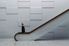 Saat Situasi Hidup Seperti Menaiki Eskalator yang Bergerak Turun