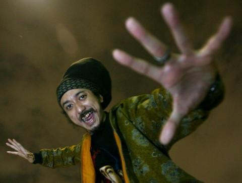 Ras Muhamad Rilis Album Salam Versi Fisik