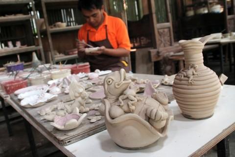 Kerajinan Keramik Tabanan Tembus Pasar Mancanegara