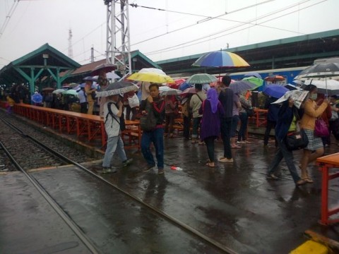 Tiga Stasiun Ini Ngantre Direnovasi