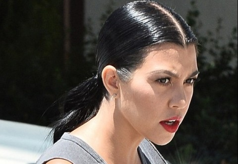 Rambut Bisa Beruban Akibat Diselingkuhi, Kourtney Kardashian Membuktikannya
