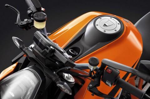 Pipa <i>Overflow</i> BBM Bocor, KTM <i>Recall</i> 1290 Super Duke R