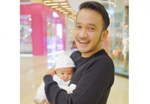 Ruben Onsu Tak Peduli Dicap Ayah <i>Lebay</i>