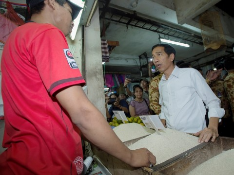 Hari Ini Jokowi Blusukan ke Pabrik Semen Kupang