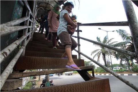 61 JPO dan 1.000 Shelter Bus di Jakarta Memprihatinkan