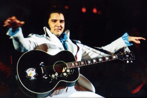 Lelang Memorabilia Elvis Presley Laris Manis