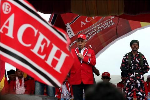 DPRK Aceh Kibarkan Bendera Bulan Bintang dan Merah Putih