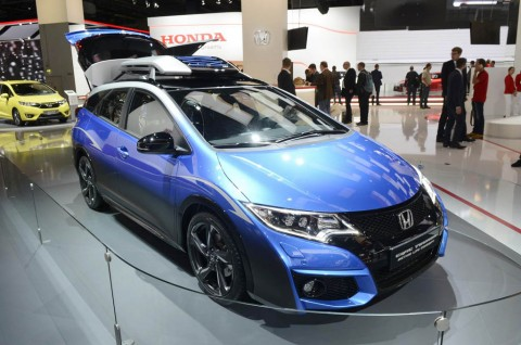 Honda Civic Tourer >> Honda Civic Tourer Active Life Concept Debut Di Frankfurt
