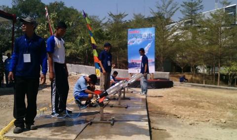 450 Siswa Ikuti Lomba Roket Air di Solo Technopark