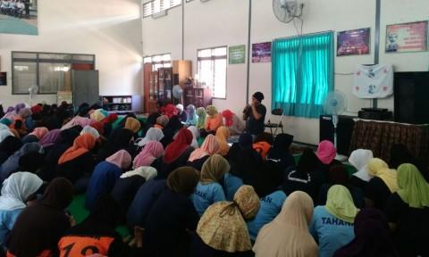 Dik Doank Sapa Napi Wanita di Malang