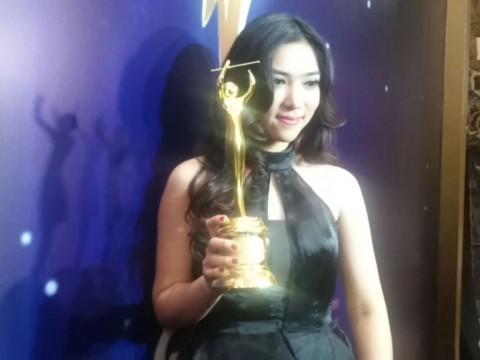 Isyana Sarasvati, Pendatang Baru Terbaik AMI Awards 2015