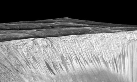 Foto-Foto Lokasi Penemuan Air di Planet Mars