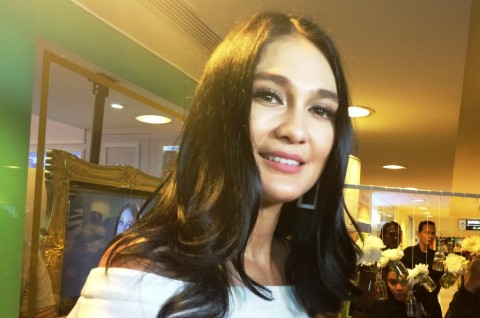 Rumah Produksi Film Tutup, Luna Maya Jual Martabak