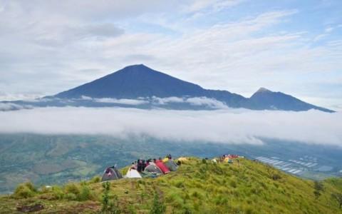 Abu Vulkanik Rinjani Susah Turun ke Tanah