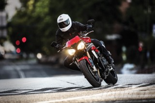 Dua Titik Utama Perubahan Triumph Speed Triple Model 2016