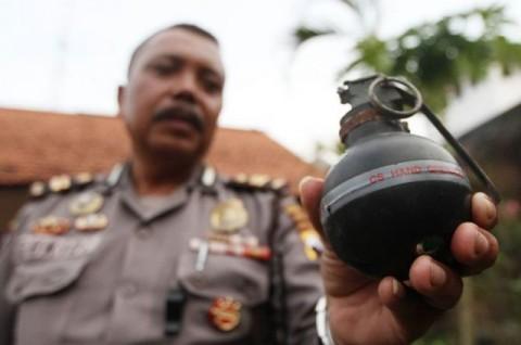 Buru Pelempar Granat, Polisi Periksa CCTV Jalan Raya