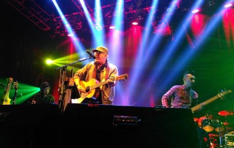 Pesan-Pesan Iwan Fals dalam Konser 'Untukmu Indonesia'