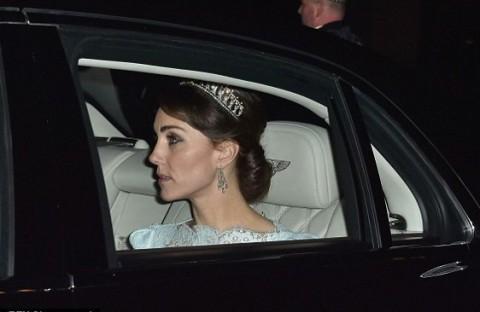 Perdana, Kate Middleton Pakai Mahkota Putri Diana
