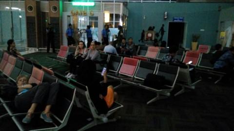 Dua Pramugari Sakit, Pesawat AirAsia Jakarta-Bali Batal Terbang