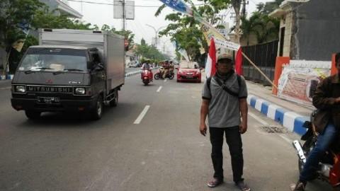 Napak Tilas Bung Karno, Pria Ini Jalan Kaki Keliling Indonesia