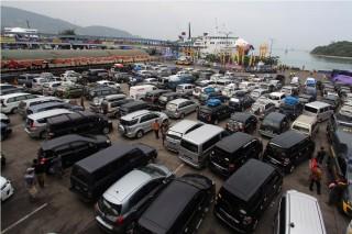 Jelang Natal & Tahun Baru, Ribuan Truk Antre di Pelabuhan Merak