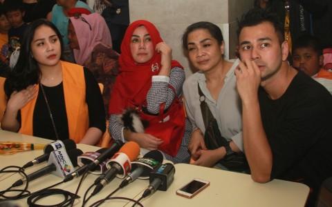 Raffi Ahmad Liburan ke Eropa Bersama Keluarga dan Penggemar