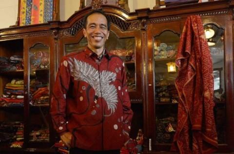 Jokowi dan Kaesang Borong Ratusan Burung di Pasar Pramuka