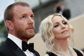 Guy Ritchie Berniat Ambil Hak Asuh Anak dari Madonna