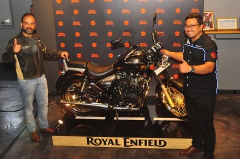 Royal Enfield Kenalkan Rumbler 500 di Indonesia