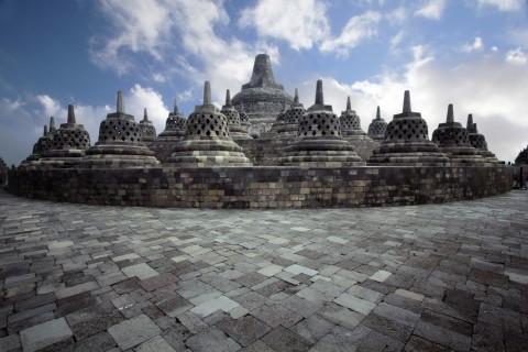 Kolaborasi Kelompok Tepi Barat di Candi Borobudur